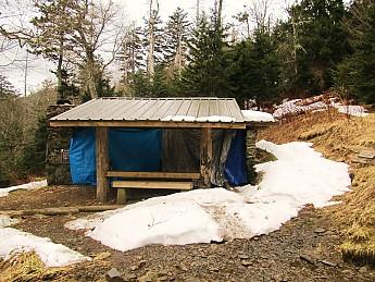 25Tri-Corner-Knob-shelter.jpg