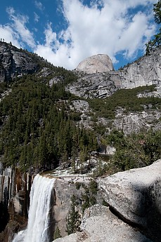 Nevada-Fall-where-the-tourist-tral-meets