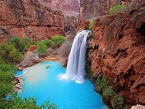 Big-falls-at-Havasupai-Canyon-in-western