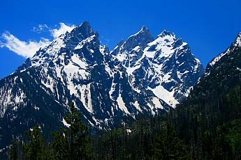 Grand-Tetons-from-northwest-side-of-Jenn