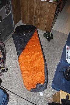Coleman-polyester-40-degree-bag.jpg