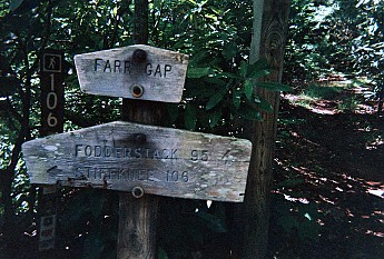 TRAIL-HEAD-SIGN-AT-FAR-GAP.jpg