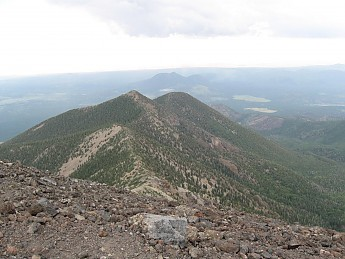 Unnamed-peaks-southeast-from-Mt-Humphrey