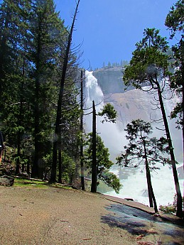 Nevada-Falls-first-view.jpg