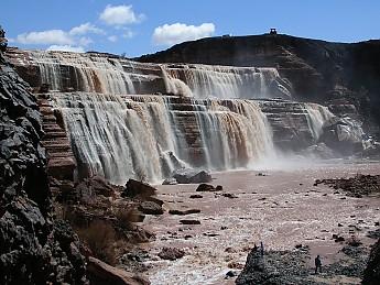 2005-03-29-195-Grand_Falls-NW_side-falls