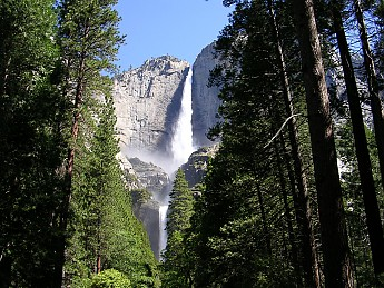 Upper-and-Lower-Yosemite-Falls-in-the-su
