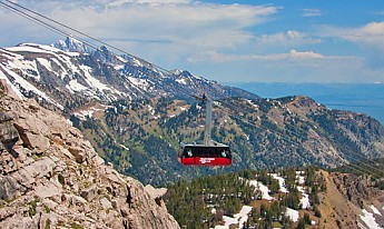 Aerial-Tram-to-Rendezvous-Hike.jpg