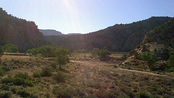Parunuweap-canyon-21.jpg