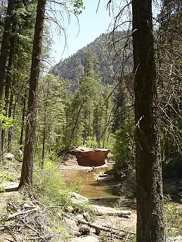Lunch-cliff-along-West-Oak-Creek-Canyon.