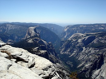 Yosemite_Valley_seen_from_Clouds_Rest.jp