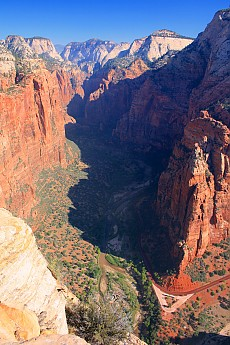 Big-Bend-and-view-up-towards-the-Zion-Na