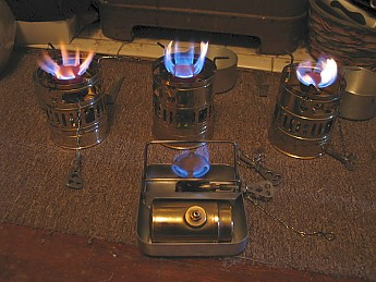 Svea_123_stoves_and_Optimus_99.jpg