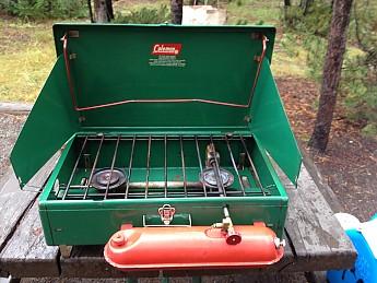 Coleman-stove-1.jpg