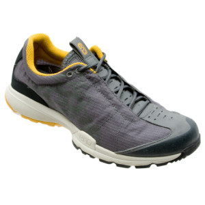 photo: END Footwear Stumptown 8.5 oz trail running shoe