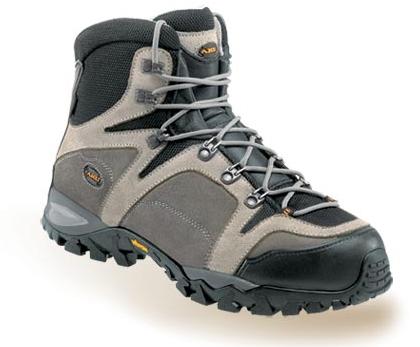 photo: AKU Suiterra Suede GTX hiking boot