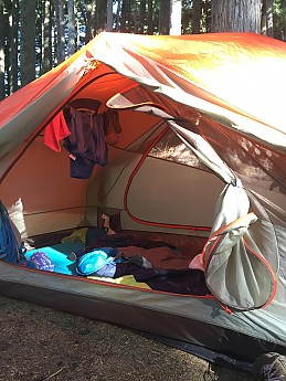 Very roomy tent for one person! & Marmot Tungsten 2P Reviews - Trailspace.com
