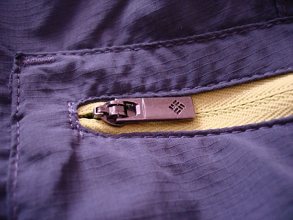 Zipper-detail_3-blue-.jpg