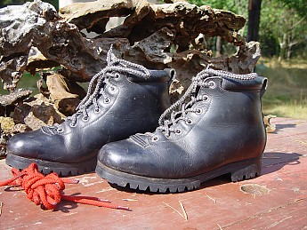 ea360f011b4 A tale of many (vintage boots) - Trailspace