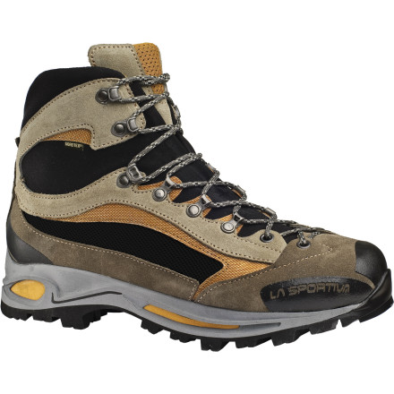 photo: La Sportiva Delta GTX hiking boot