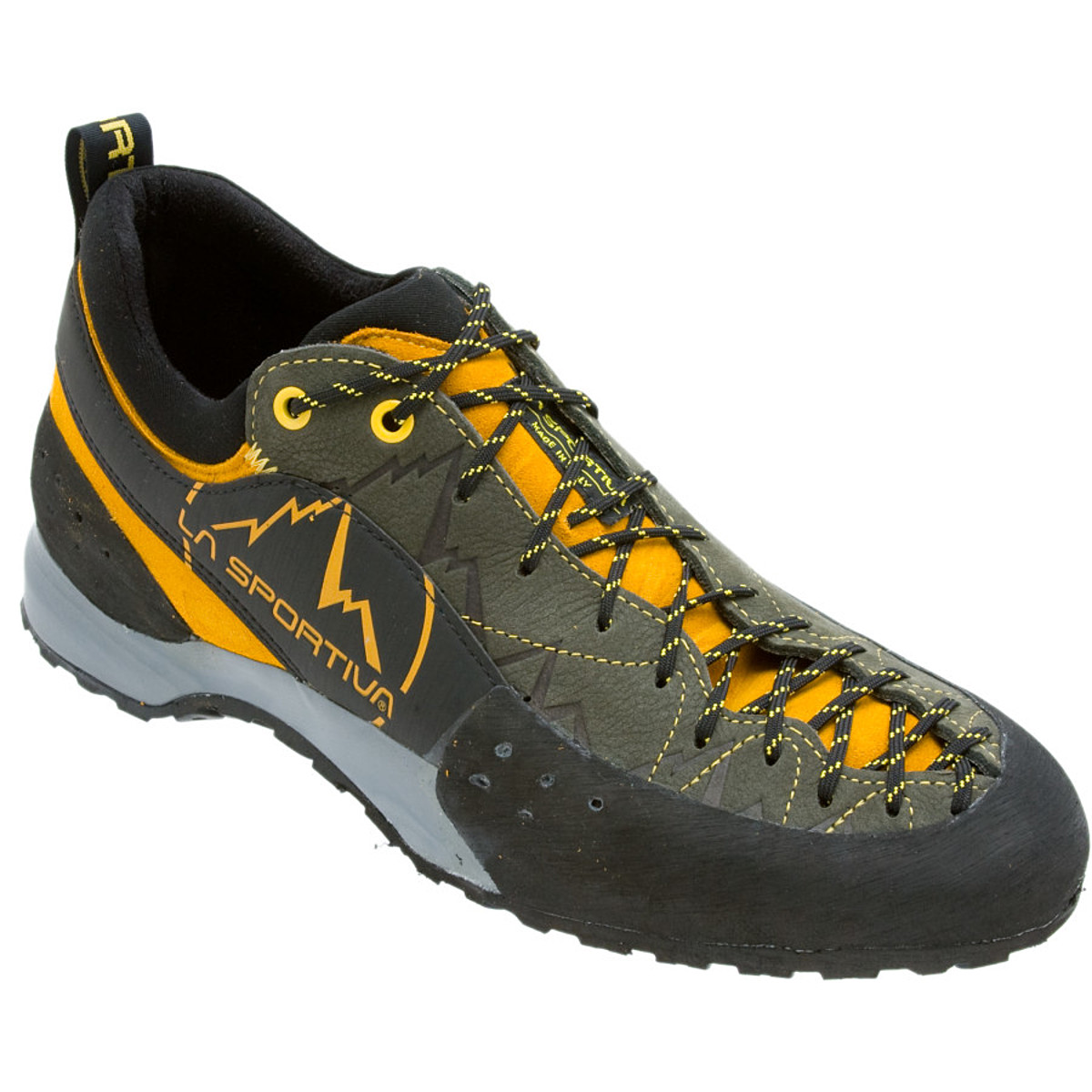photo: La Sportiva Ganda approach shoe