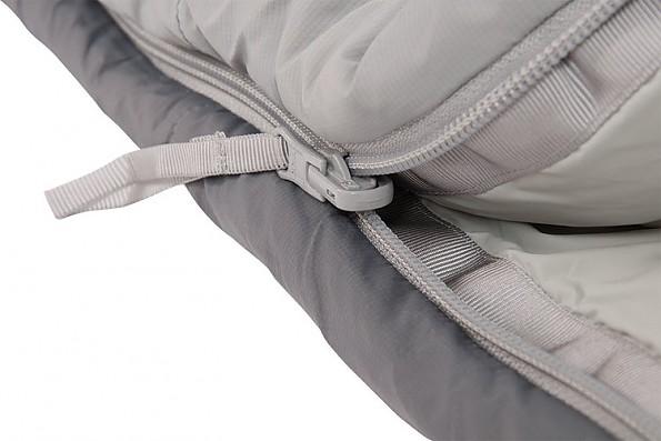 peregrine-saker-snagfree-zipper.jpg