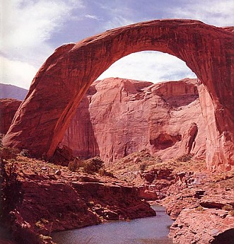 rainbow-bridge-off-lake-powell.jpg