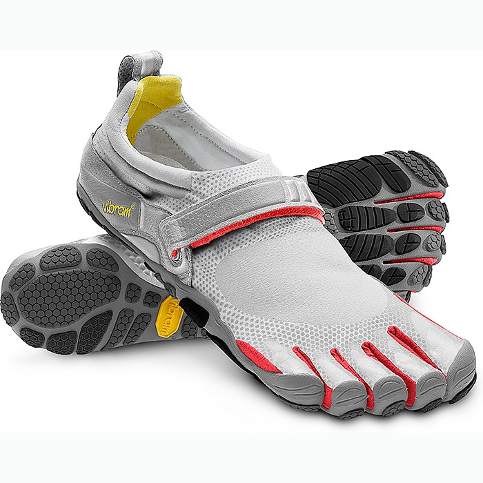 photo: Vibram FiveFingers Bikila barefoot / minimal shoe