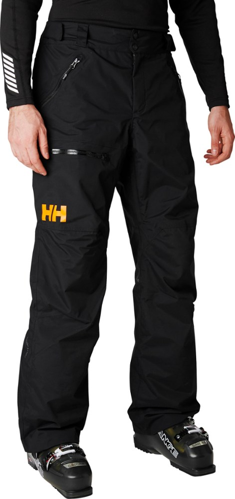 photo: Helly Hansen Sogn Cargo Pant snowsport pant