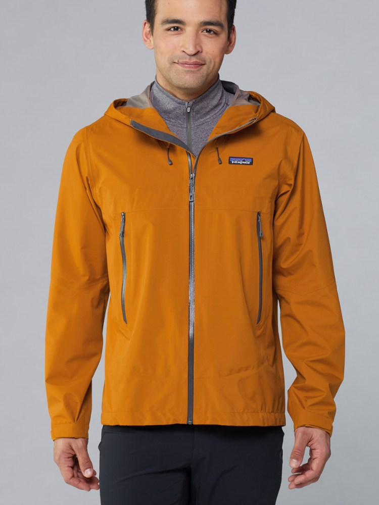 photo: Patagonia Cloud Ridge Jacket waterproof jacket