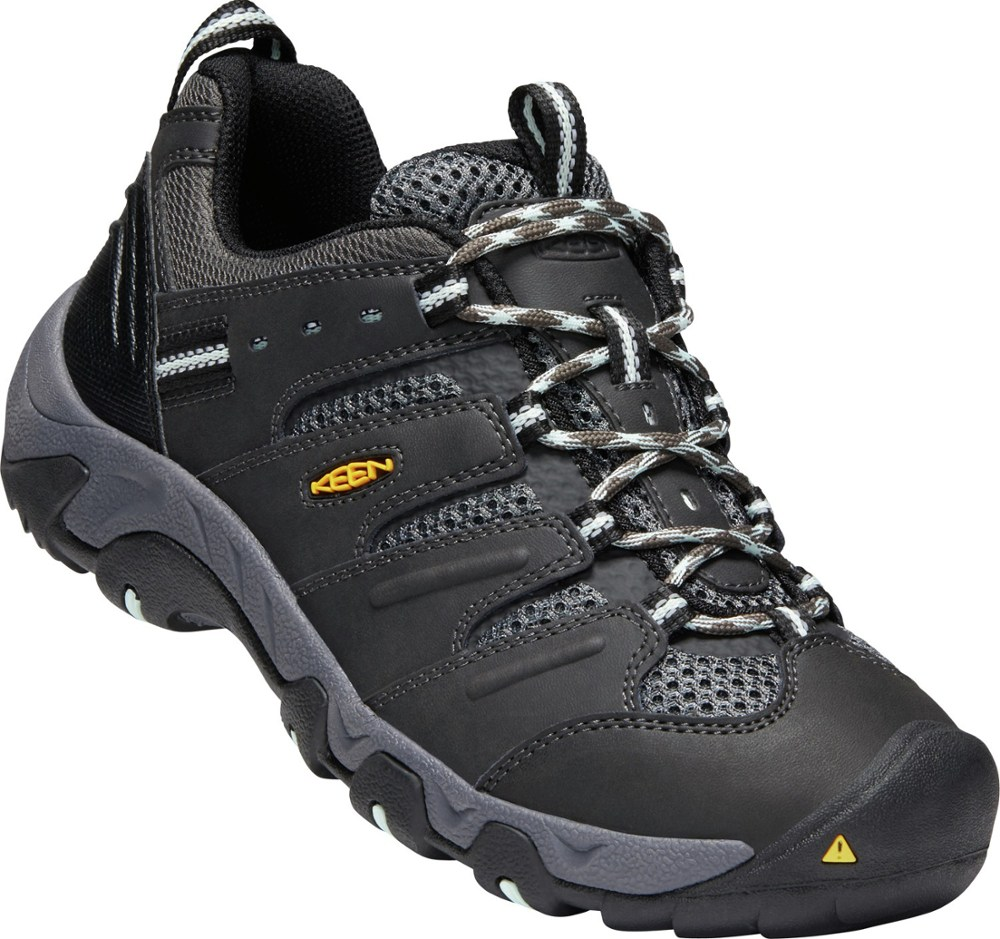 photo: Keen Men's Koven trail shoe