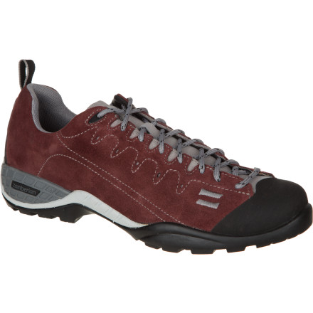 photo: Zamberlan Men's 105 Parrot RR Approach Shoe approach shoe