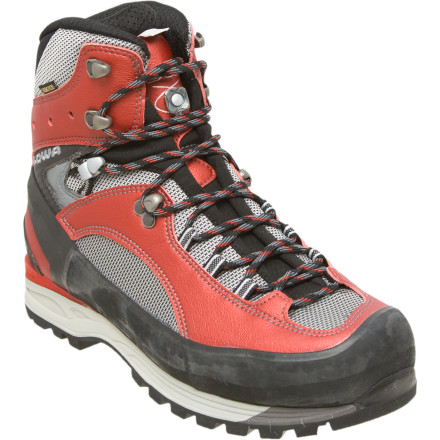photo: Lowa Vajolet GTX mountaineering boot