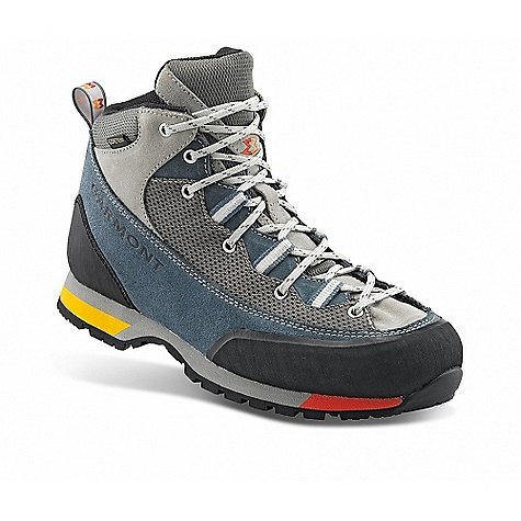 photo: Garmont Men's Vetta Lite GTX hiking boot