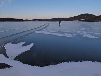 Ron-on-ice.jpg