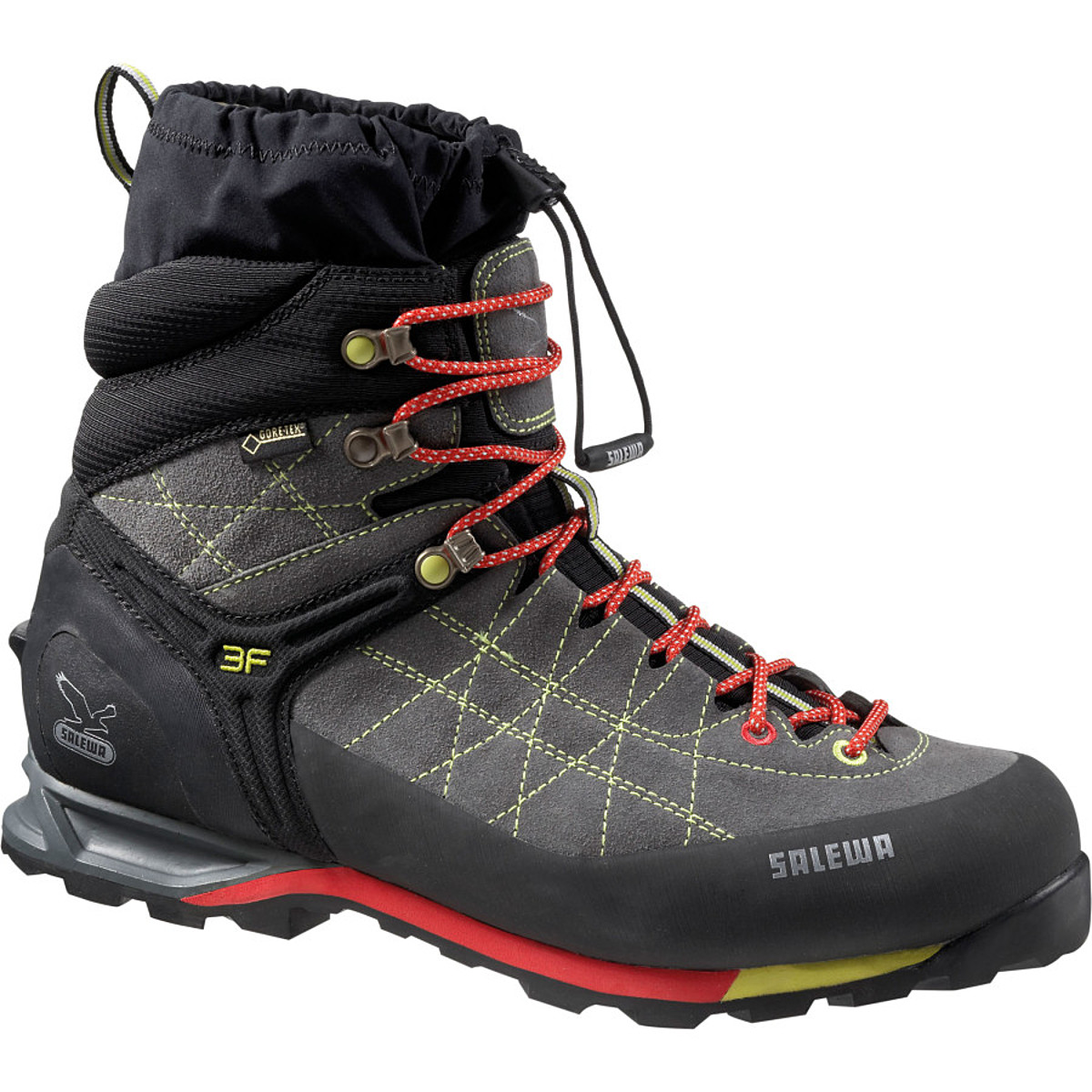 photo: Salewa Snow Trainer Insulated GTX winter boot