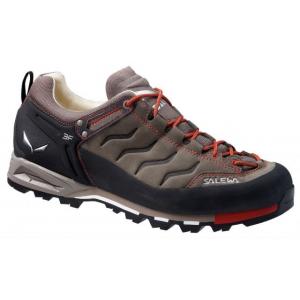 photo: Salewa Mountain Trainer approach shoe