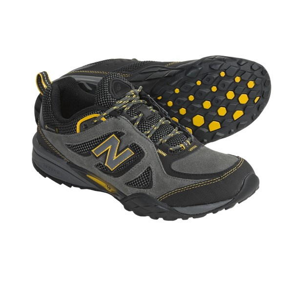 photo: New Balance 851 trail shoe