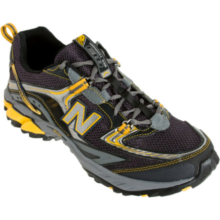 photo: New Balance 813 trail running shoe