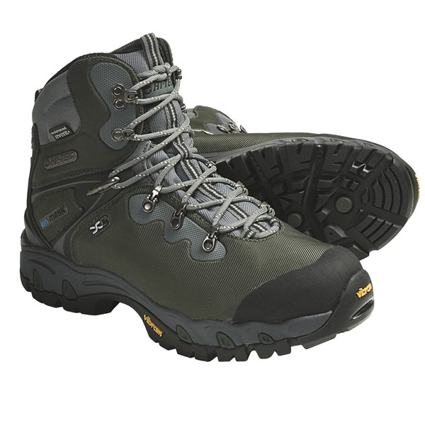 photo: Hi-Tec Cascadia XCM eVent WPi backpacking boot