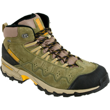 photo: Tecnica Cyclone Mid GTX-XCR hiking boot