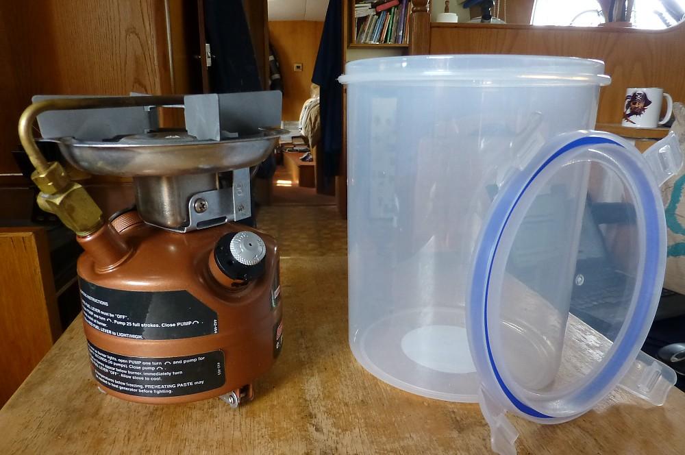 photo: Coleman Feather 442 Dual Fuel Stove liquid fuel stove
