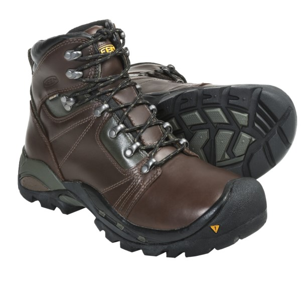 photo: Keen Erickson PCT backpacking boot