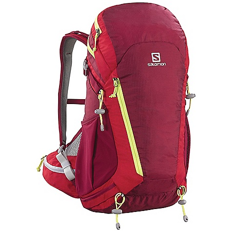 photo: Salomon Sky 25 daypack (under 2,000 cu in)
