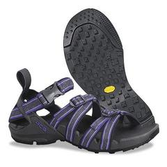 photo: Nike Deschutz Guide sport sandal