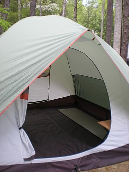 ShowsFloorSizeOnlyOneSleepingPadDown.jpg & ALPS Mountaineering Meramac 6 Reviews - Trailspace.com