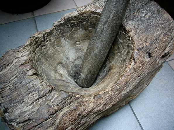 wooden_mortar_pestle.jpg