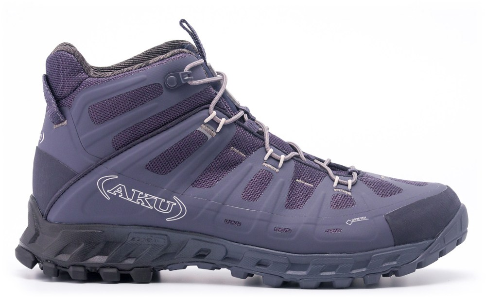 photo: AKU Men's Selvatica Mid GTX hiking boot