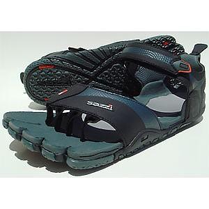 photo: Sazzi Digit sport sandal
