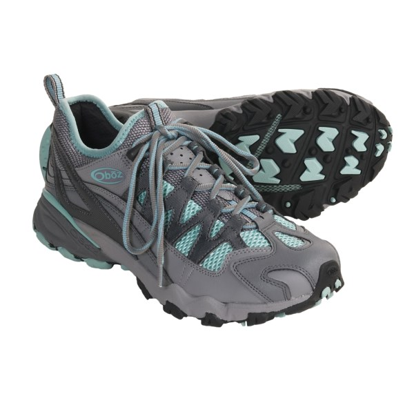 photo of a Oboz trail running shoe