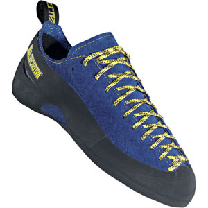 photo: La Sportiva Cliff climbing shoe